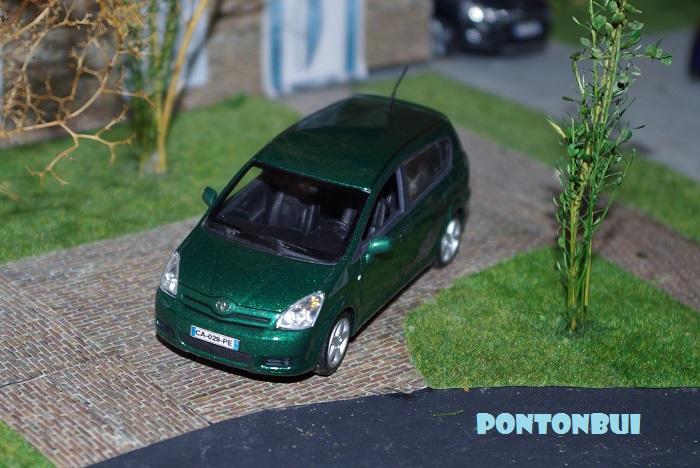 TOYOTA Coroll14
