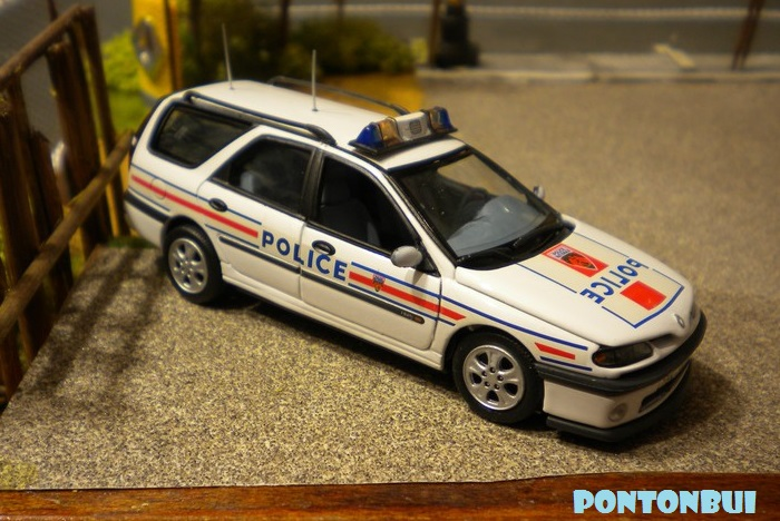 * 01 - Renault ( Les modernes post-1990 )  Dscn6810
