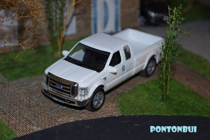 * 06 - Ford ¤ F25010
