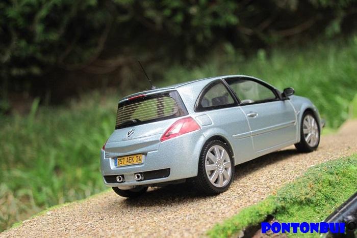 * 01 - Renault ( Les modernes post-1990 )  Megane13