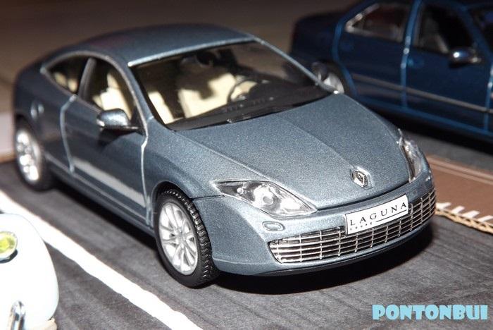 * 01 - Renault ( Les modernes post-1990 )  Megane15