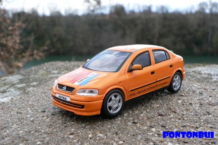 * 05 - Opel Opel_m15