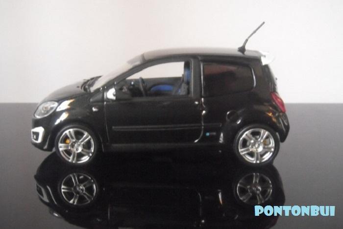 * 01 - Renault ( Les modernes post-1990 )  Renaul17