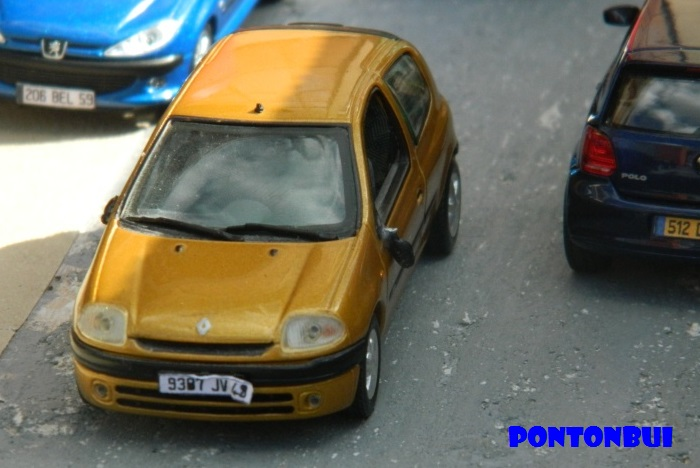 * 01 - Renault ( Les modernes post-1990 )  Renaul24