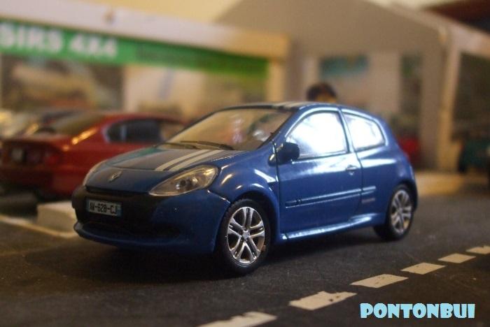 * 01 - Renault ( Les modernes post-1990 )  Renaul25