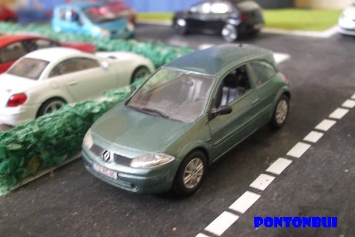 * 01 - Renault ( Les modernes post-1990 )  Renaul40