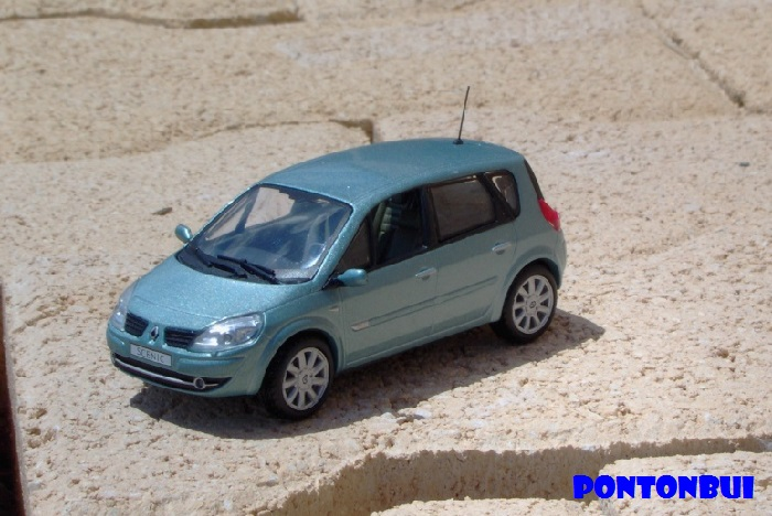 * 01 - Renault ( Les modernes post-1990 )  Renaul53