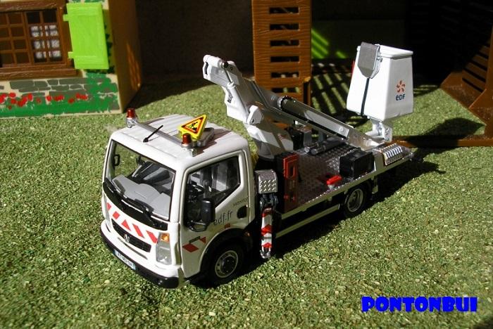 * 01 - Renault ( Les modernes post-1990 )  Renaul55