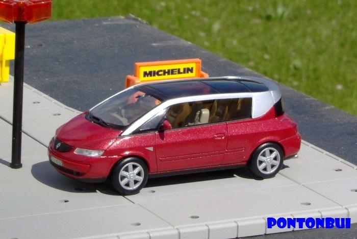 * 01 - Renault ( Les modernes post-1990 )  Renaul57