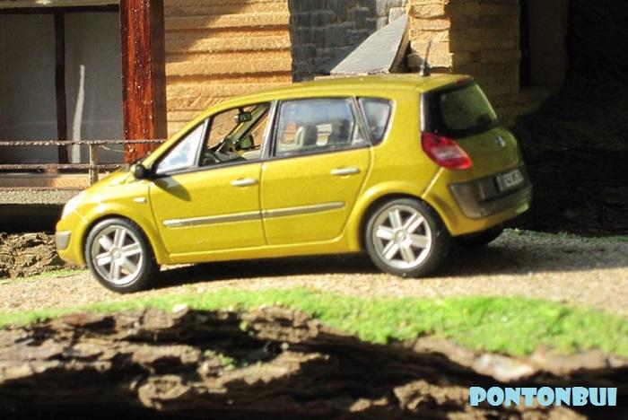 * 01 - Renault ( Les modernes post-1990 )  Scenic11