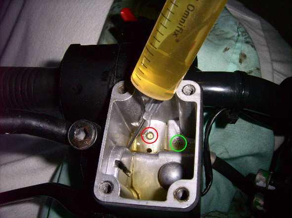Brembo r100 rt1 piston ne re-rentre pas Trou_d10