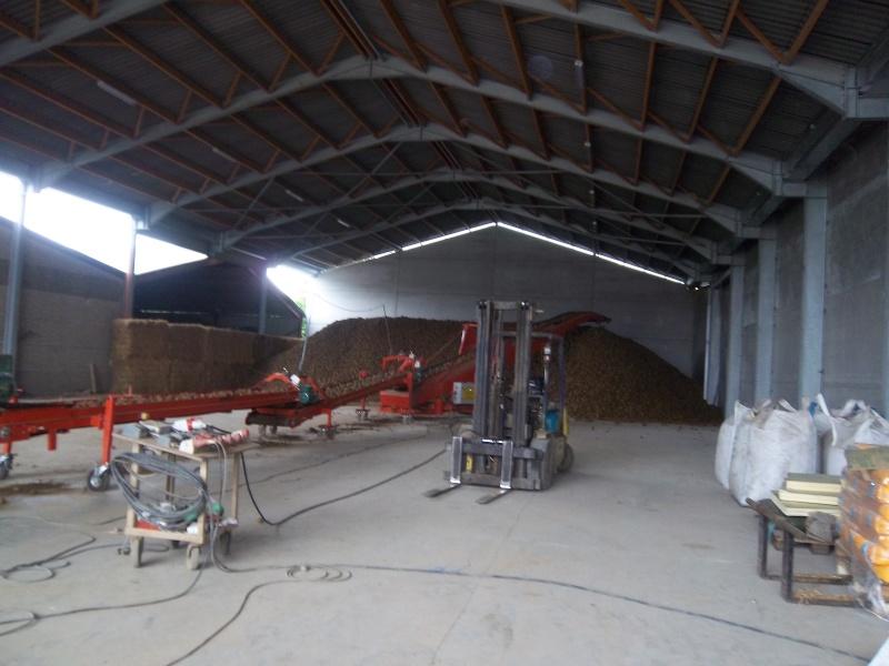 Petitpom construit un hangar à pdt ! Imgp4110
