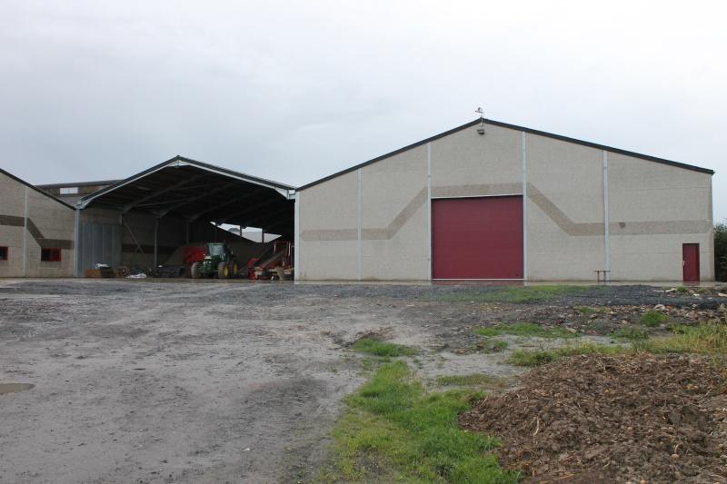 Petitpom construit un hangar à pdt ! Photo_13