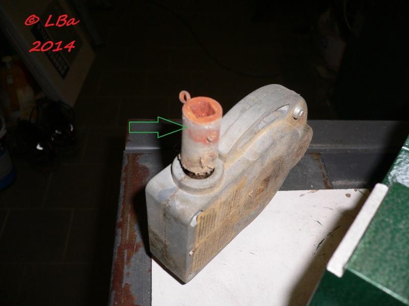 recherche barre cylindrique avec trou carré P1080610