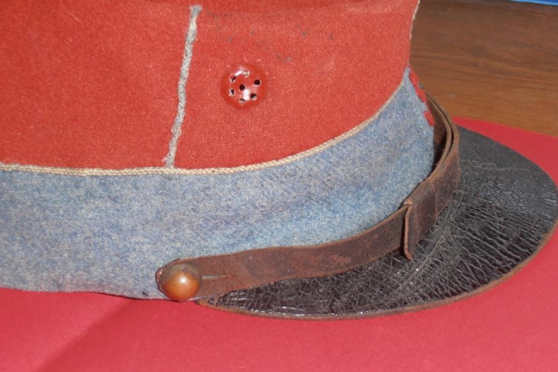 Casquette 1884 du 5° hussard ou chasseur ?? Middle52