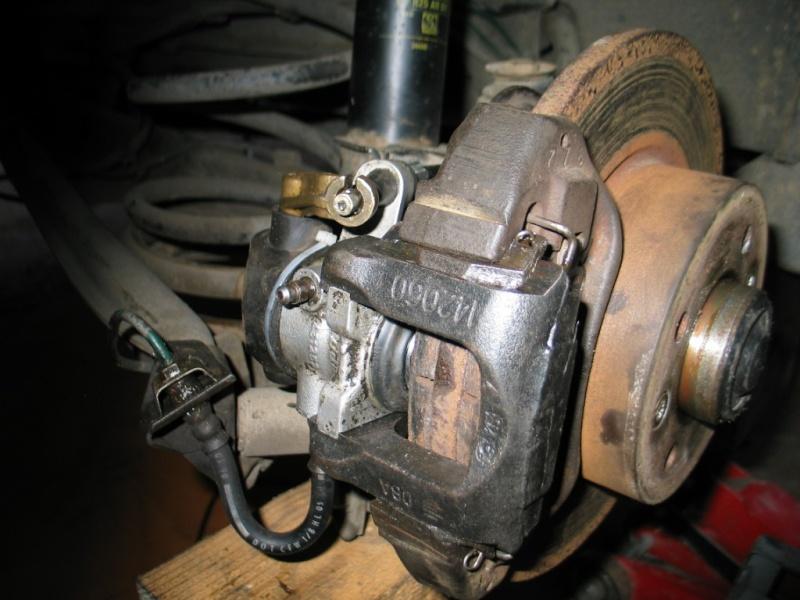 Remplacement de cables de freins AR à disque  Img_1214