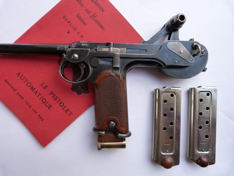 Le faux chargeur du pistolet Borchardt C 93. Access17