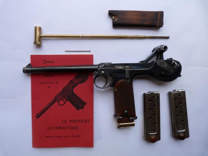Le faux chargeur du pistolet Borchardt C 93. Access18