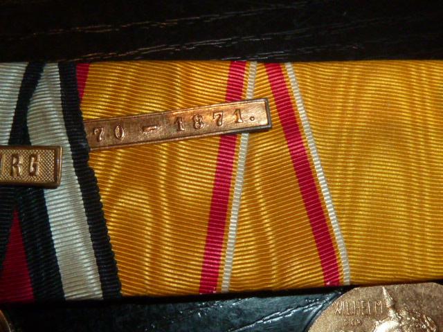 Barettes de médailles/décorations P1880414