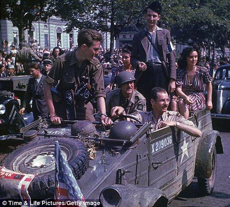 70e anniversaire du débarquement aéroportée en Normandie dans la nuit du 5 au 6 juin 1944 10_en_10