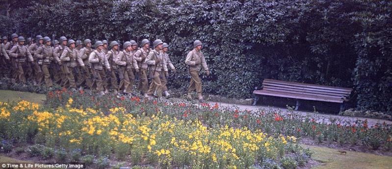70e anniversaire du débarquement aéroportée en Normandie dans la nuit du 5 au 6 juin 1944 6-en_n12