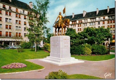 ALGERIE, statue de Jeanne d'Arc à ORAN Cid_e911
