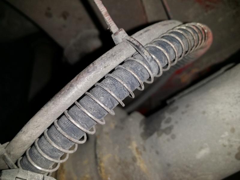 freinage: Pédale molle et déséquilibre de freinage.  20140310