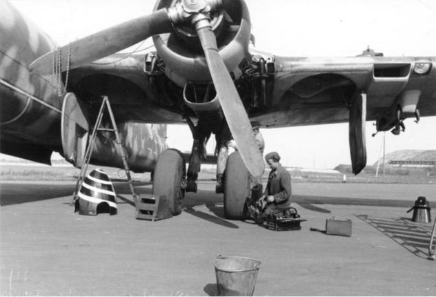 Heinkel He177A-5 (MPM) [En cours de construction] - Page 6 Bundes11