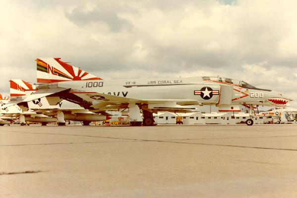 F-4B Phantom II  [ Academy 1/48° ] (Montage en cours) F4391210