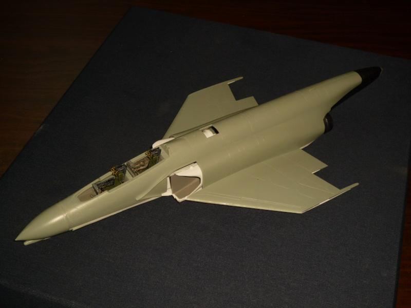 F-4B Phantom II  [ Academy 1/48° ] (Montage en cours) P1080633