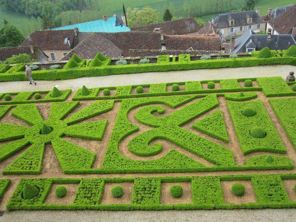 Jardins et Château de Hautefort Cl1710