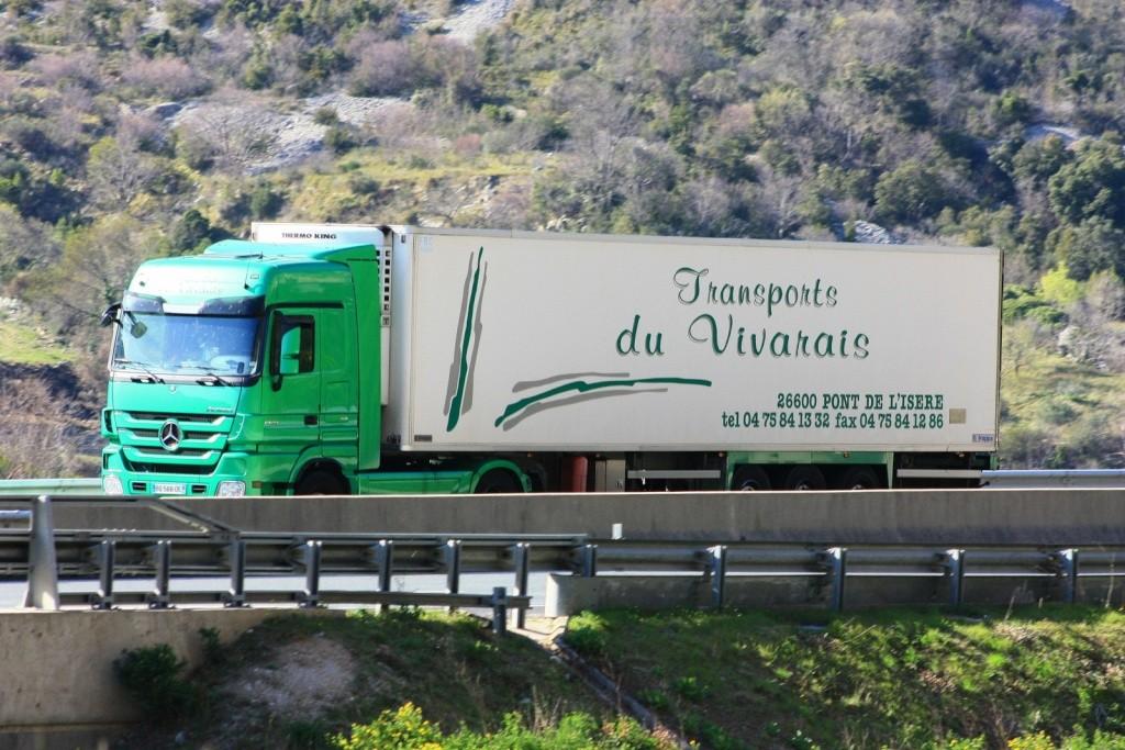 Transports du Vivarais (Pont de l'Isere, 26) - Page 3 Img_0197