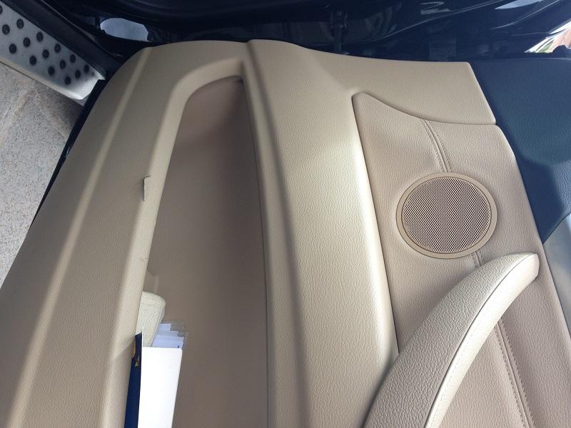 Danno rivestimento interno portiera bmw X6 110