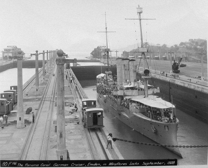Quel croiseur allemand et quelle date pour cette photo??  Emden_10