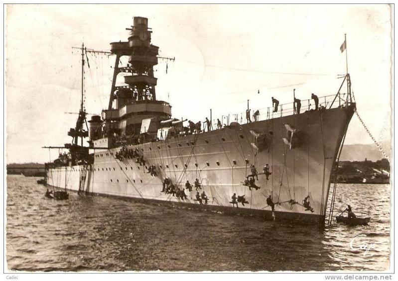 Croiseurs français  - Page 2 Foch_411