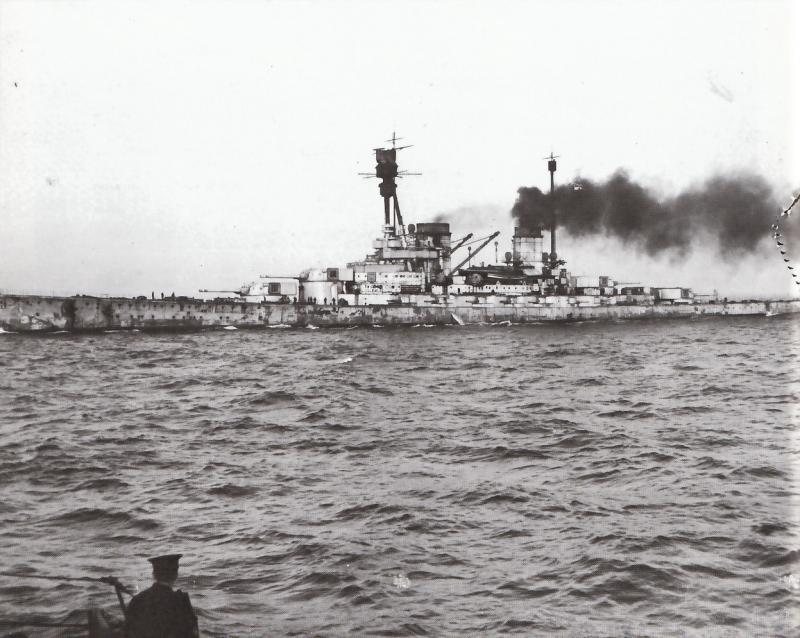 Croiseurs de bataille allemands Hinden10