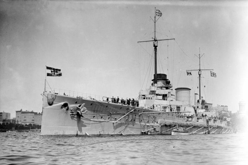 Croiseurs de bataille allemands - Page 2 Moltke11