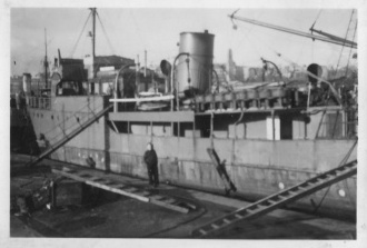 Identification de navires - Page 14 P1310