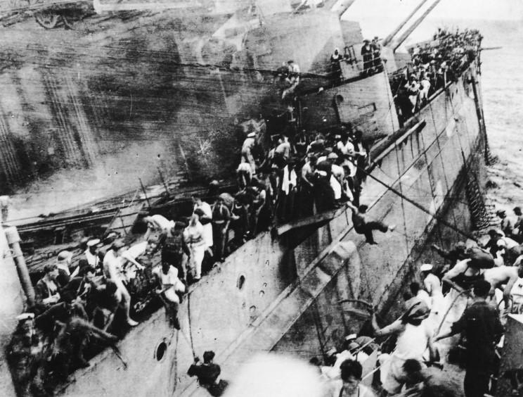 Le 10 décembre 1941, destruction de la force Z par les jap Prince11