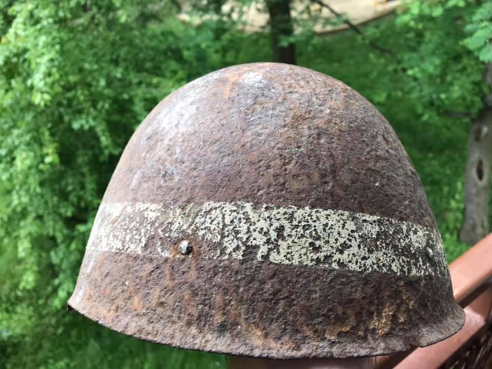 Identification d'un casque russe WW2 à bande horizontale blanche 10260810