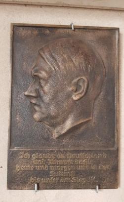 """Plaque de fonte Adolf Hitler - Walter Wolff, """"Ehrenplakette des Führers"""" 2020-021"""