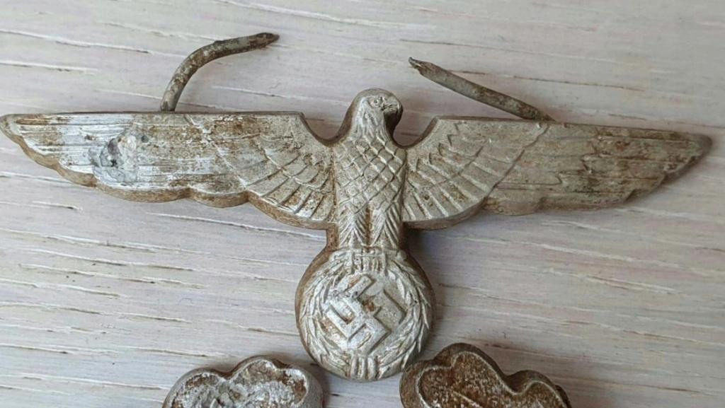 Avis sur l'authenticité d'insignes de casquette d'officier Wehrmacht 2020-110