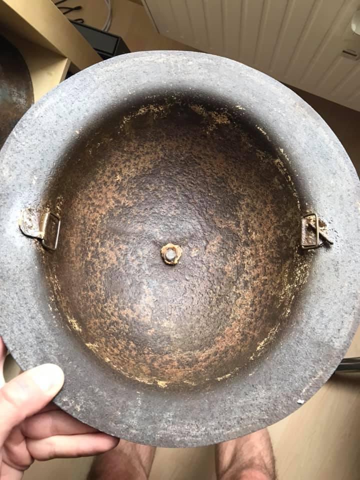 Deux coques de casque américain WW1 : 2 modèles différents ? 22761910