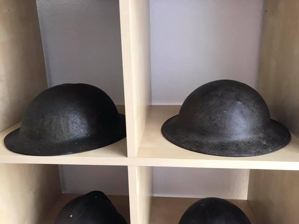 Deux coques de casque américain WW1 : 2 modèles différents ? 22813210