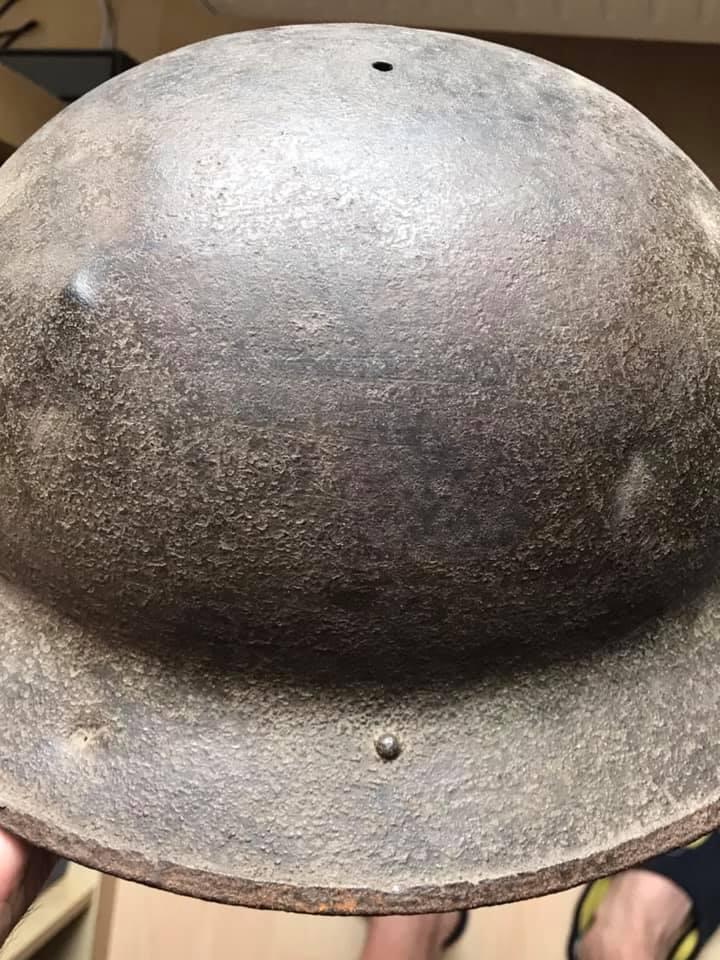 Deux coques de casque américain WW1 : 2 modèles différents ? 22890710