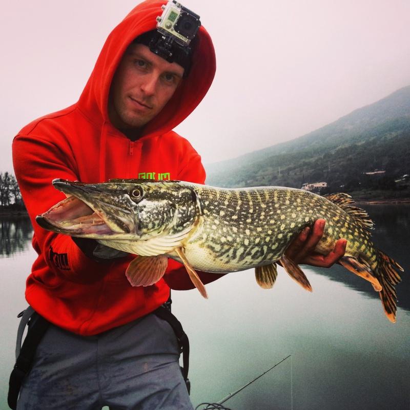 La 2eme video de l'été 2013 Fish Tracker Img_2010