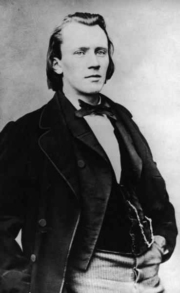السيمفونية الاولى من اعمال يوهانز برامزSymphony No1 in c-moll مصنف 68  Brahms13