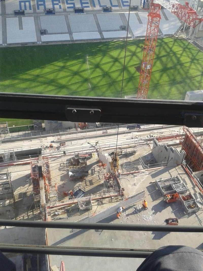 grue fleche relevable stade marseille 2013-113