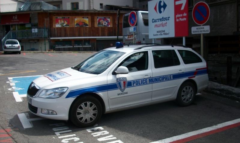 Skoda au service de la police - Page 3 Police10
