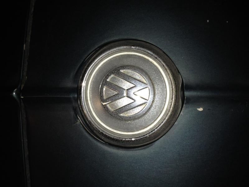 Sigle VW capot AV Image17
